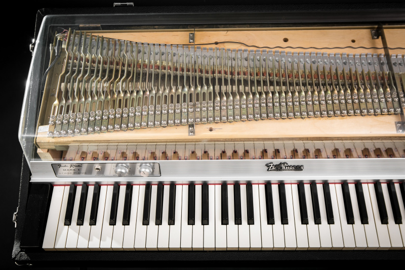 File:Rhodes Piano - Recreation - Clear Lid.jpg