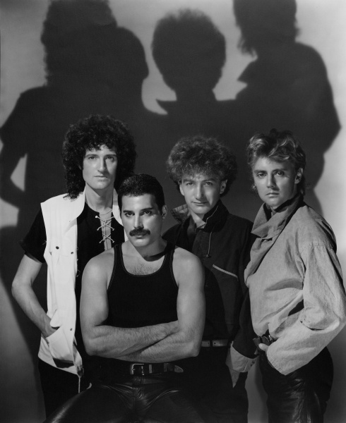 File:Queen - The Works Photo Shoot - 1984 - 2.jpg