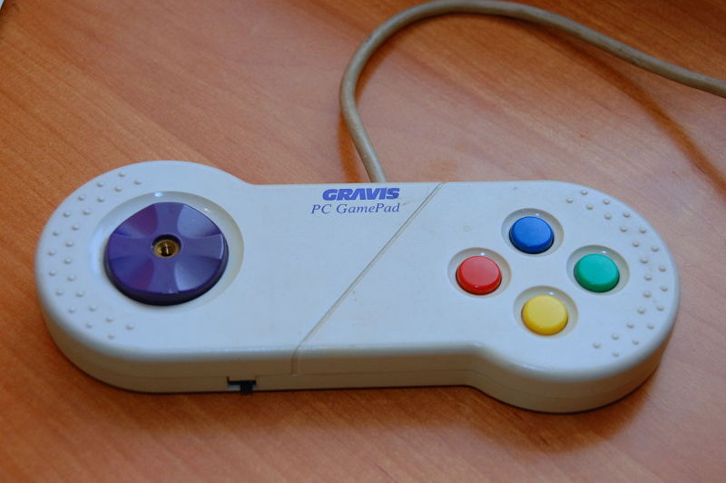 File:Gravis PC GamePad - Controller.jpg